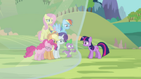 Twilight&#39;s friends getting blocked out from Twilight S3E05
