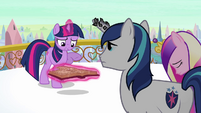 Twilight &#39;Anything about the Crystal Ponies powering the heart&#39; S3E1