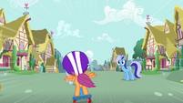 Minuette gazing at Scootaloo S3E6