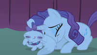 Rarity taking cover behind Opalescence S1E14