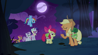 Applejack &#39;No need for tents tonight&#39; S3E06