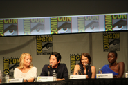 Lauren cohan steven yeun sdcc2012