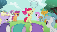 Apple Bloom has the hoop on her hoof S2E06