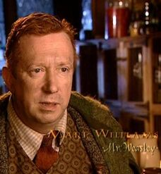 Mark Williams (Arthur Weasley) CoS screenshot