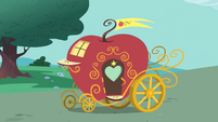 Apple Carriage S1E26