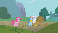 Gilda giving Rainbow Dash a hug S1E5