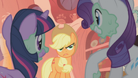 Applejack &quot;now wait just a goldarn minute&quot; S01E08