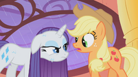 Rarity is not amused by Applejack&#39;s dare S01E08