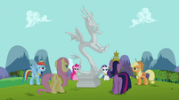 Twilight and friends prepare to release Discord S03E10
