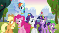 Twilight and friends shake their heads S03E10