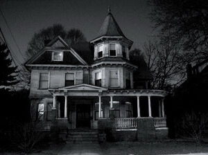 Creepy-Houses-04
