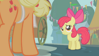 Apple Bloom cheered up a little S01E12
