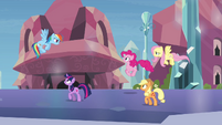 Main ponies &quot;stay one step ahead&quot; S03E12