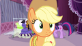 Applejack comprehending the help S3E13.png