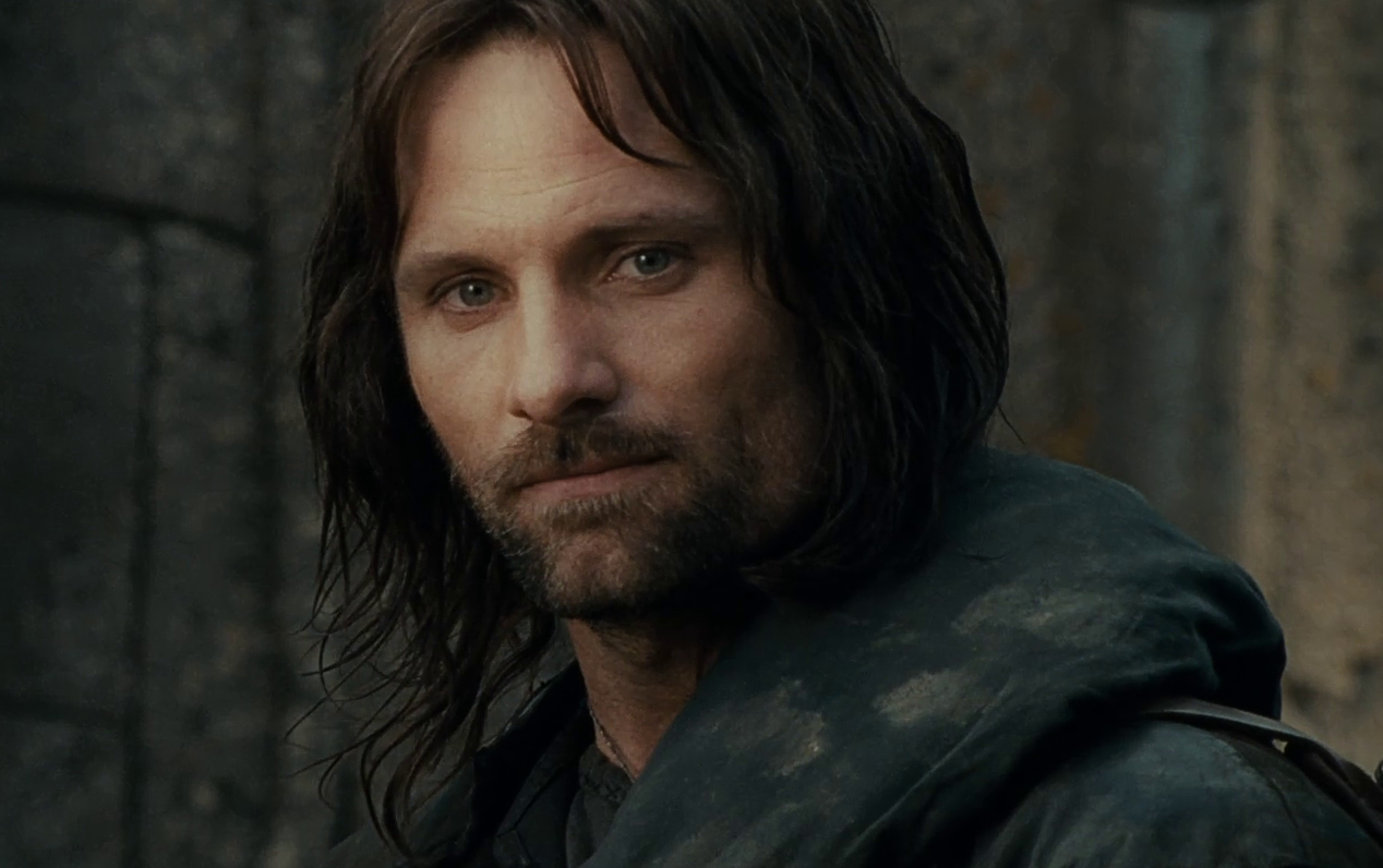 http://images3.wikia.nocookie.net/__cb20130320004851/lotr/images/6/69/Aragorn_2_-_FOTR.png