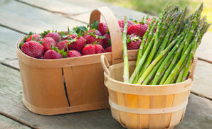 AsparagusStrawberriesInBasket