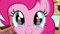 Cake in Pinkie&#39;s eye S2E24