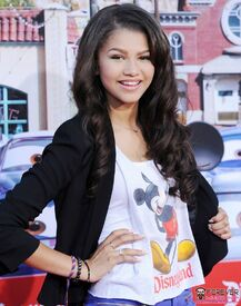 Zendaya-coleman-mickey-mouse-tshirt