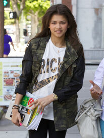Zendaya-coleman-out-town