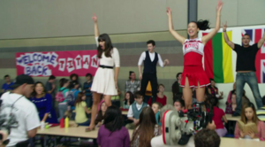 Glee-We-Got-the-Beat-glee-24959026-500-277