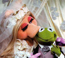 Are Kermit the Frog and Miss Piggy married?