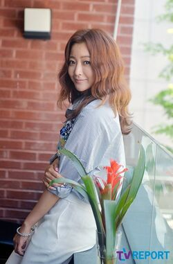 Kim Hee Sun25