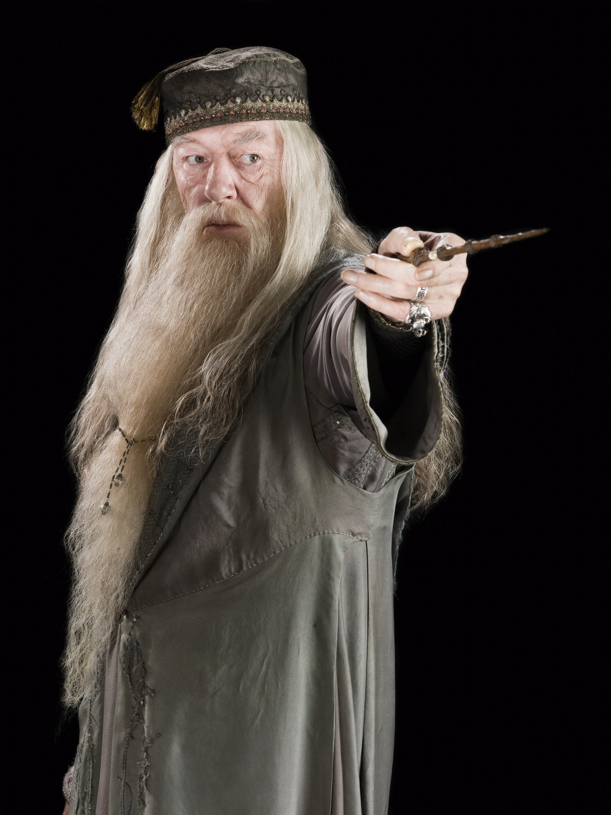 http://images3.wikia.nocookie.net/harrypotter/images/4/40/Albus_Dumbledore_(HBP_promo)_3.jpg