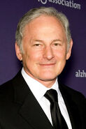 Victor-Garber-1