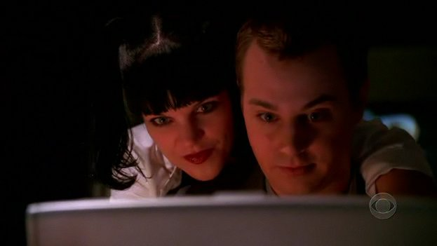 http://images3.wikia.nocookie.net/ncis/images/6/68/McAbby.jpg
