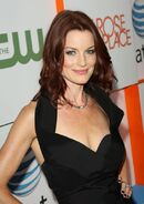 Laura leighton pretty little liars-10