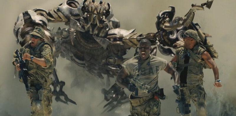 Image:Movie Scorponok leapsout.jpg