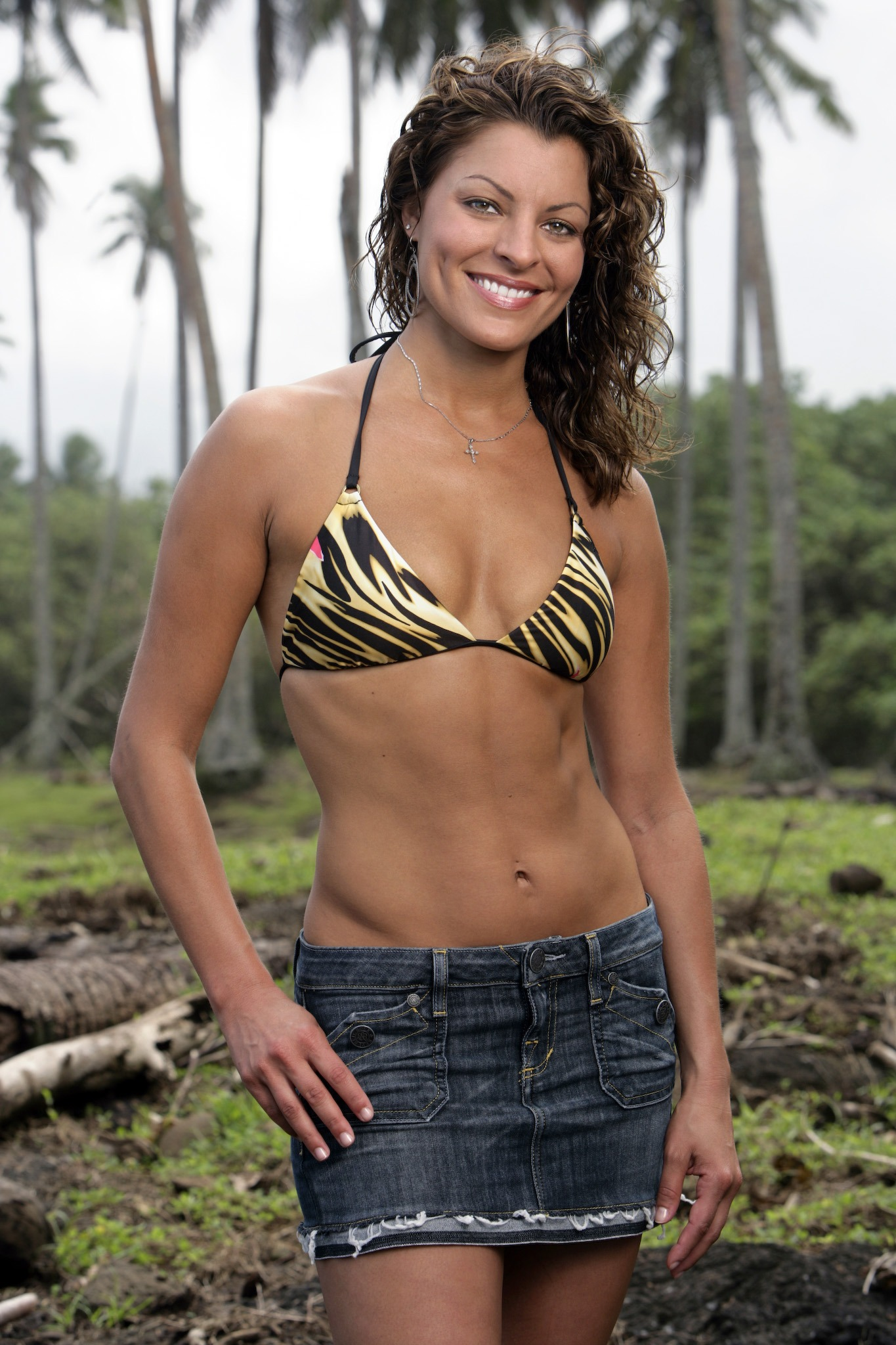 Angie Survivor hottest survivor girl, day 3: angie vs. stephenie, natalie t