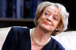 http://images3.wikia.nocookie.net/harrypotter/images/thumb/0/01/Maggie_Smith_2.jpg/250px-Maggie_Smith_2.jpg